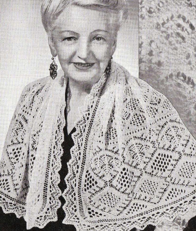 Diamond and shell shawl1